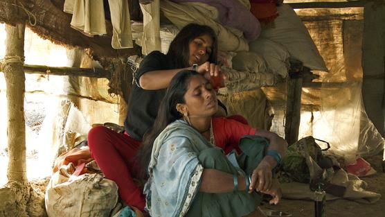 Manju combing Dhevuben